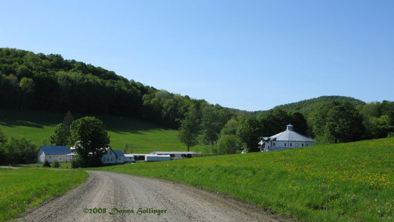 Round Barn Farm and B & B
