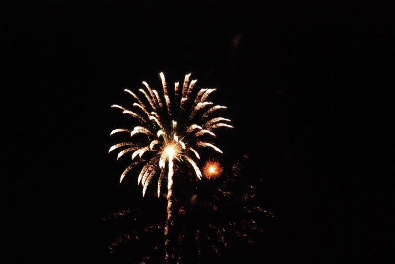 Canada Day 2010 Fireworks at Bronte Harbour Oakville - 01.JPG