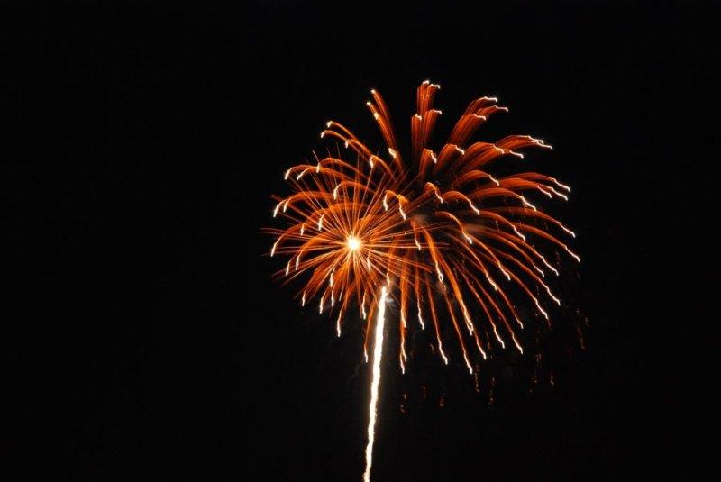 Canada Day 2010 Fireworks at Bronte Harbour Oakville -09.JPG