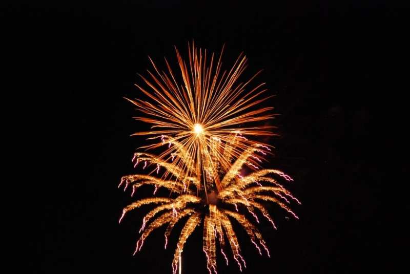 Canada Day 2010 Fireworks at Bronte Harbour Oakville -05.JPG