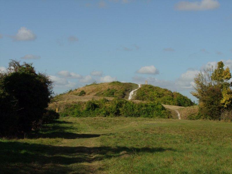 Totternhoe  Castle / 1