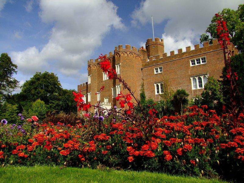 Hertford  Castle / 1