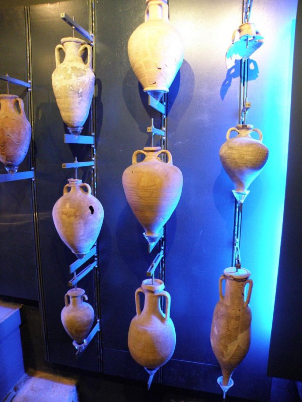 2500-year-old amphora from Marseille