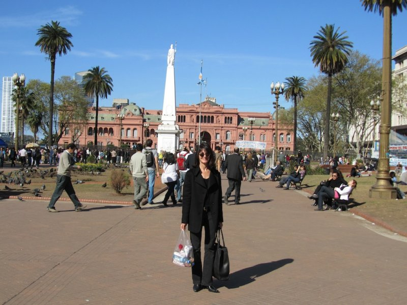 M at the Plaza de Mayo (with the Casa Rosada behind her)