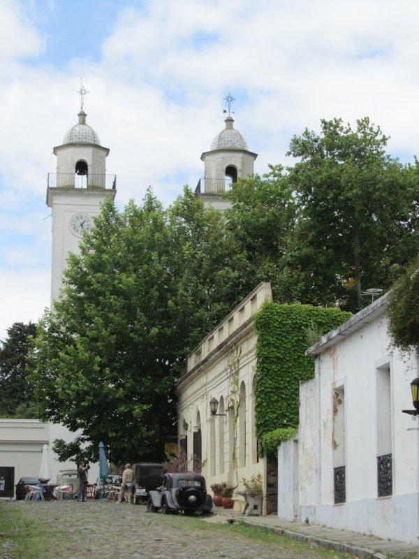 the towers of the Iglesia Matriz