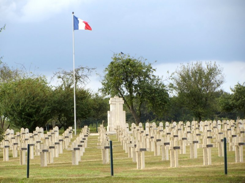 ...another French military graveyard in a quiet setting...