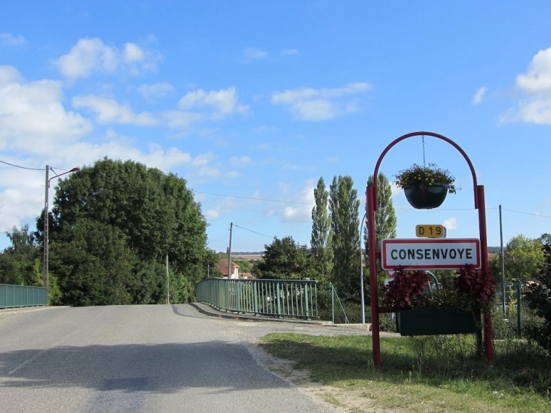 the village of Consenvoye was in the midst of late war fighting