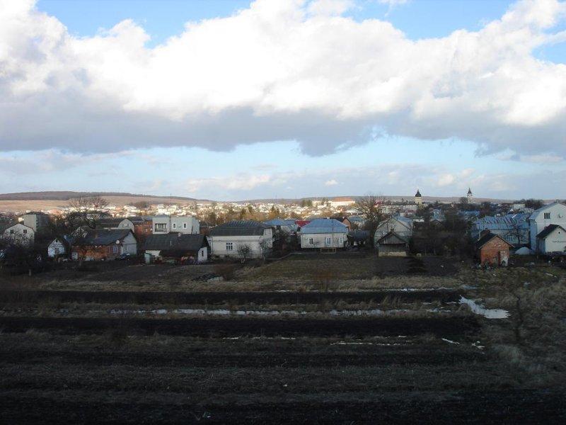 a view east toward Rohatyn