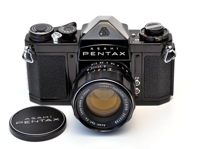 Pentax SV* + Super-Takumar 1:1,8 / 55 mm (Model II)