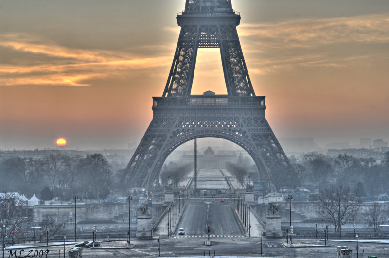Paris in Winter - Good Morning - Eiffel Tower  -0204 - HDR