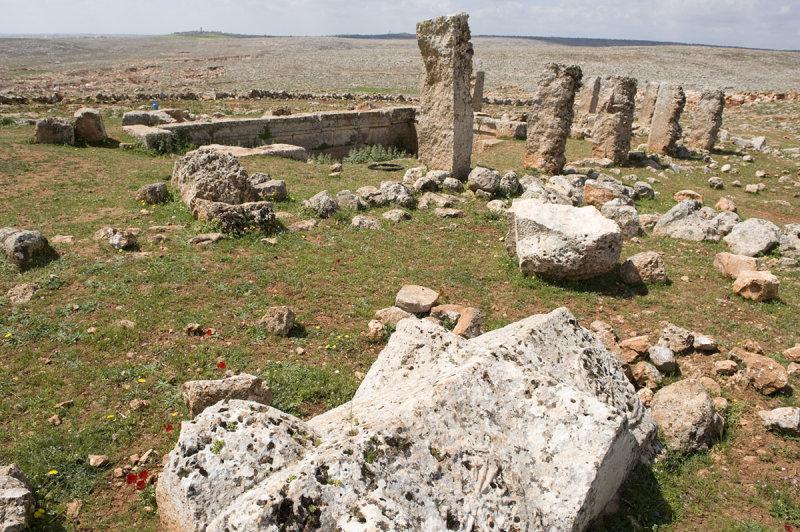 Dead cities from Hama april 2009 8653.jpg