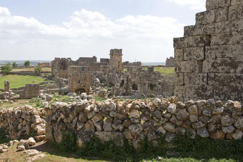 Dead cities from Hama april 2009 8667b.jpg