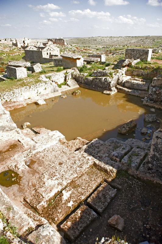 Dead cities from Hama april 2009 8807.jpg