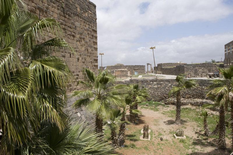 Bosra apr 2009 0480.jpg