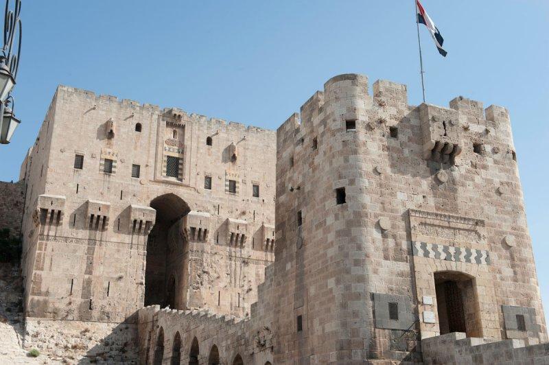 Aleppo Citadel september 2010 9929.jpg