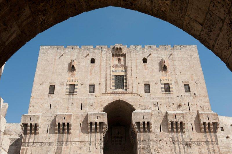 Aleppo Citadel september 2010 9937.jpg