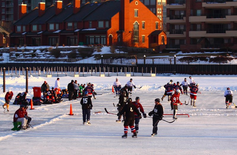 pond_hockey_028.JPG