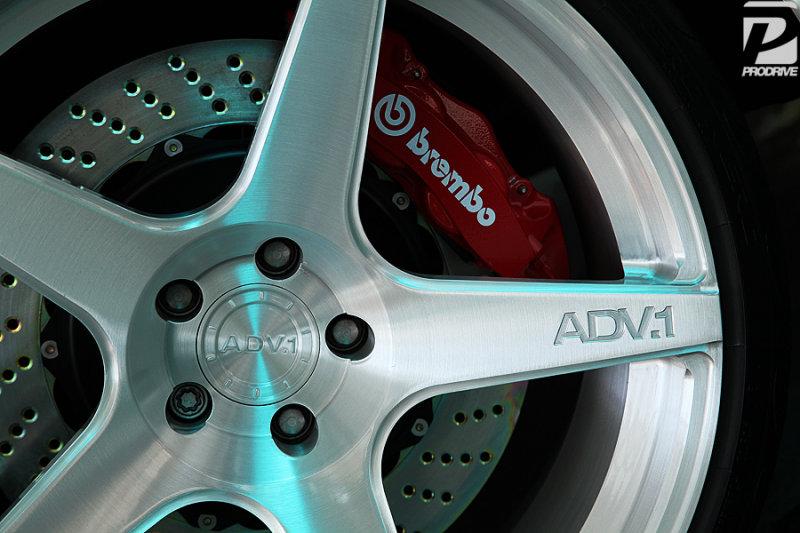 ADV5 Brushed + Brembo