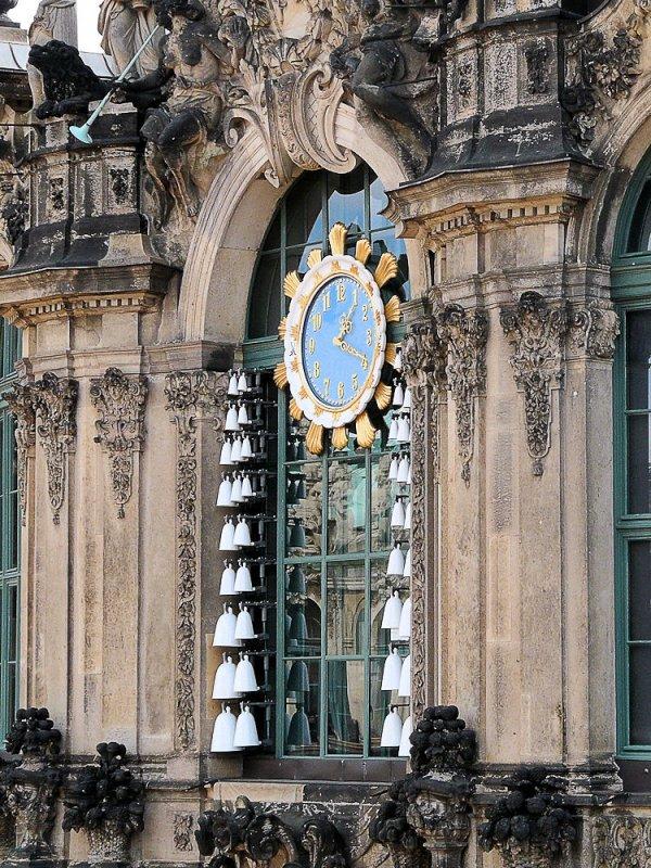 Dresden-70721-zwinger carillon porcelaine.jpg