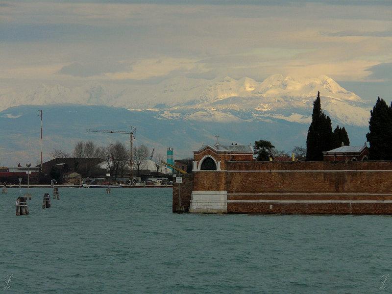 vue sur les Dolomites depuis Fondamente nuove 0358.JPG