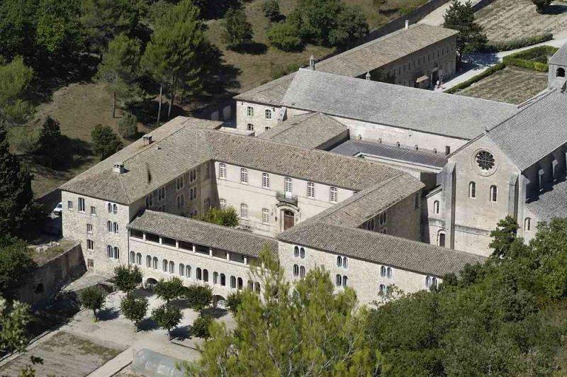24472.JPG Abbaye Notre-Dame de Sénanque- Gordes