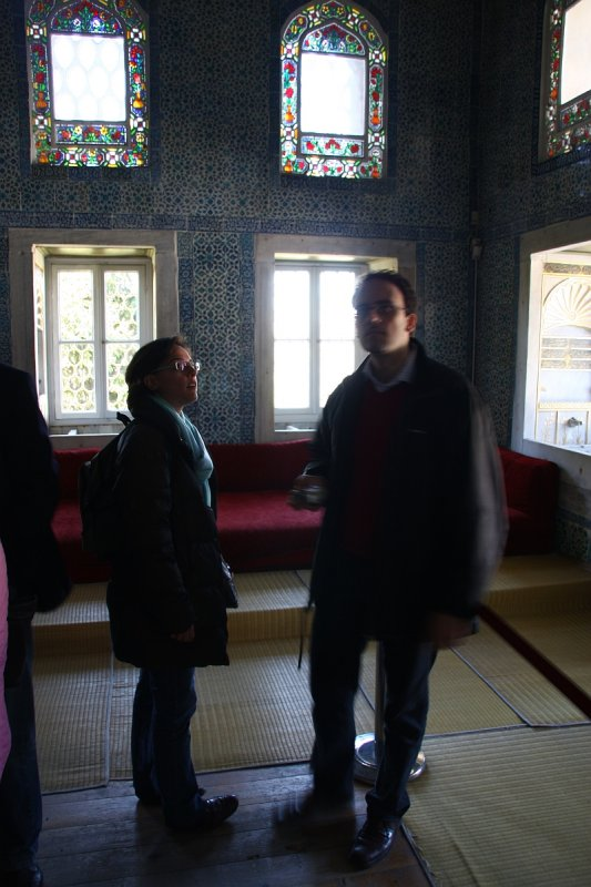 Benneth and Beatris 053.jpg Topkapi Palace, inside the reading and writing room of the sultan