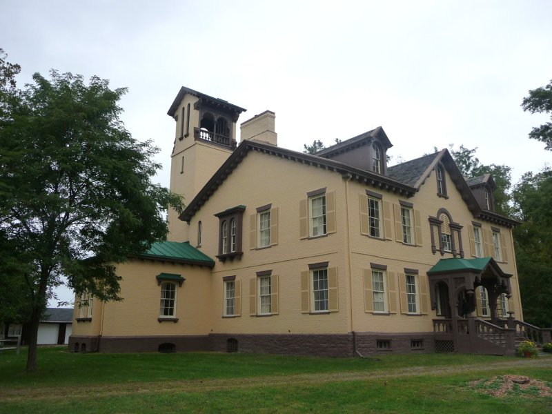 A southern view of Martin Van Burens house.