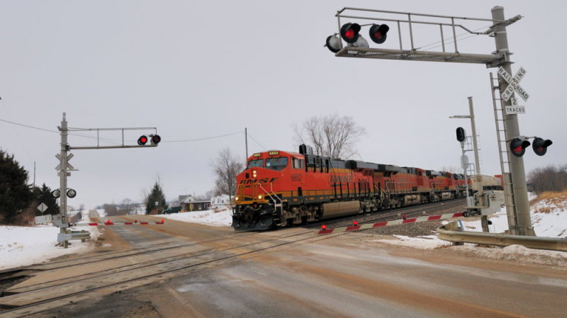 BNSF over the crossing