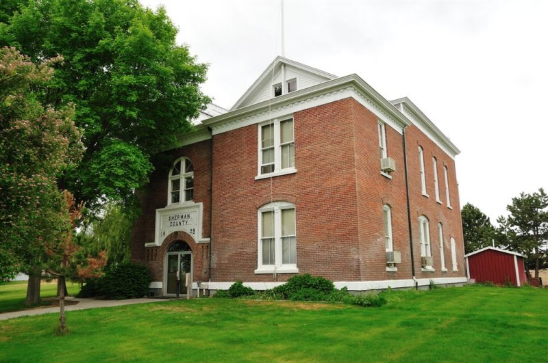 Courthouse Moro OR