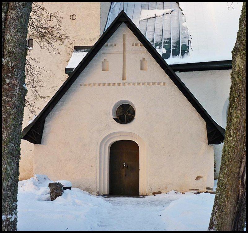 The church door, Tumbo.