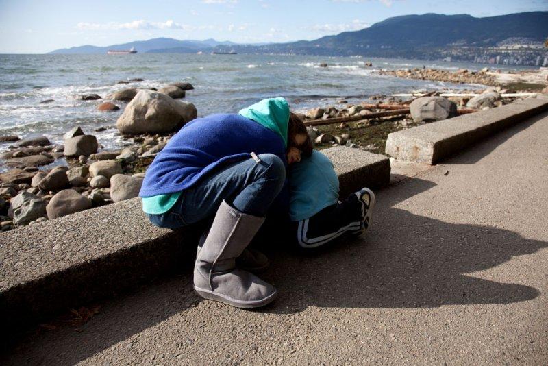 sea wall walk resting spot