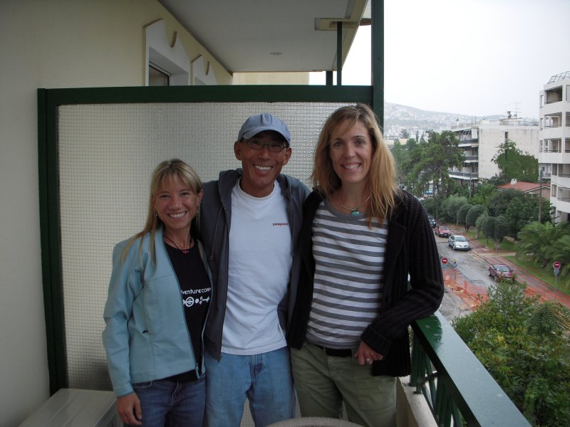 Lisa, Glenn & Allison arrive at Johns Hotel in Glyfada