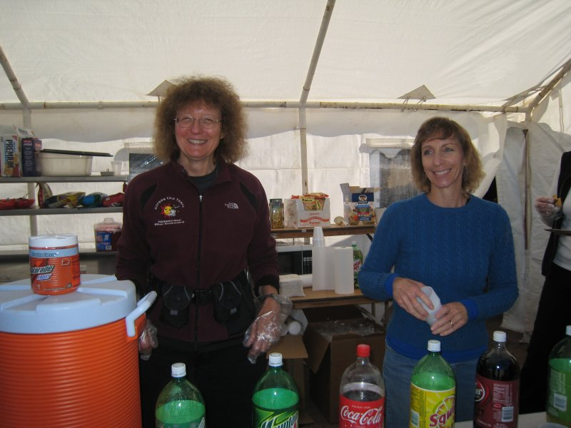 Sue Norwood and Patty Coury, mother of Nate, Nick and Jamil. A wonderful lady, awesome mother and superlative race volunteer!