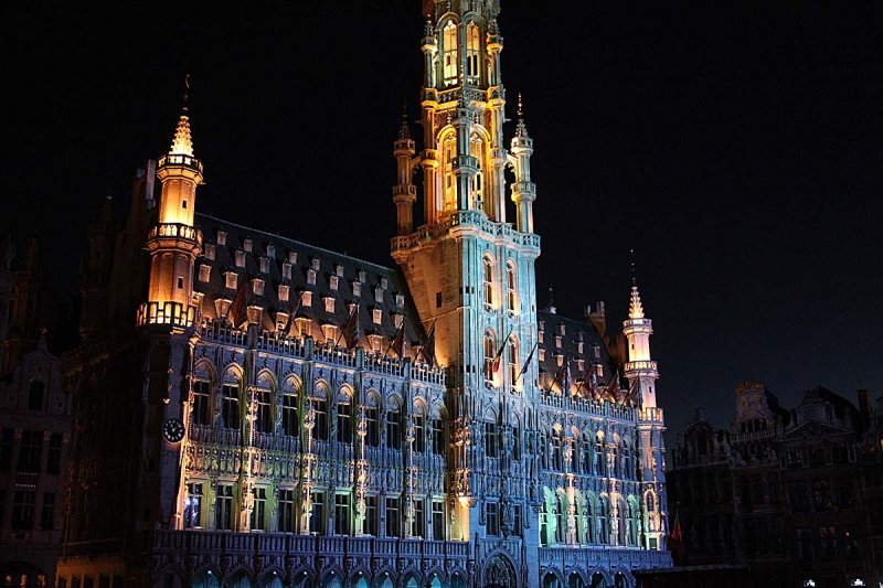 Grande Place at night