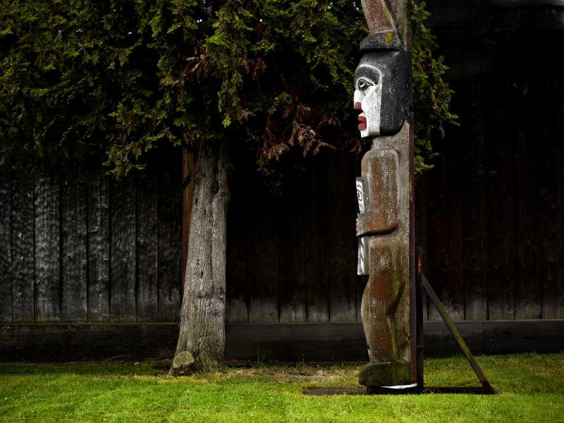 Conversation, Thunderbird Park, Victoria, British Columbia, Canada, 2009