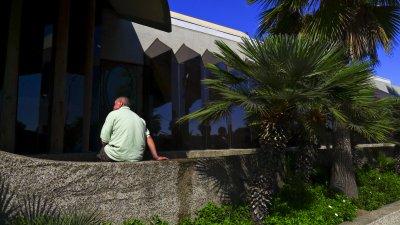 Waiting, Mission Beach, San Diego, California, 2010