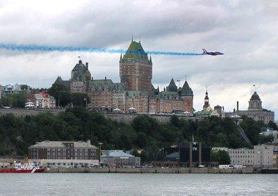 Un trait bleu sur le château