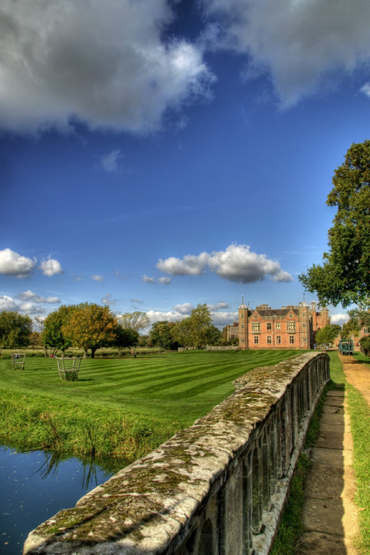 Elizabethan Country House