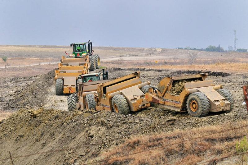 DEC_9936 Unloading soil