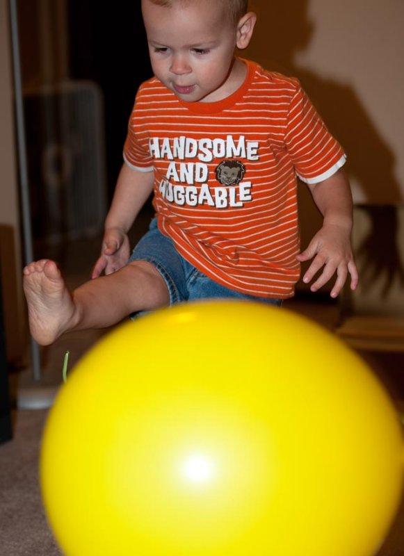 Kick the Balloon