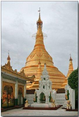Shwedagon Pagoda - Yangon