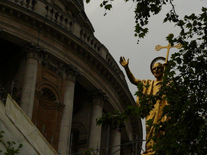 In the courtyard of St Paul web.jpg