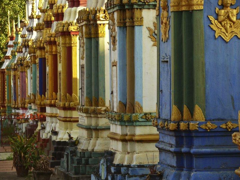 Monastery in Pakse.jpg