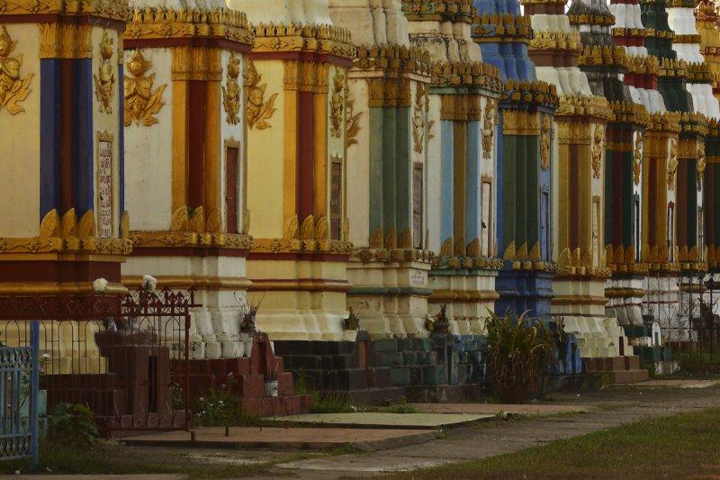 Monastery in Pakse take 2.jpg