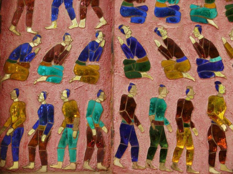 Inlaid figurines Wat Xieng Thong LP.jpg