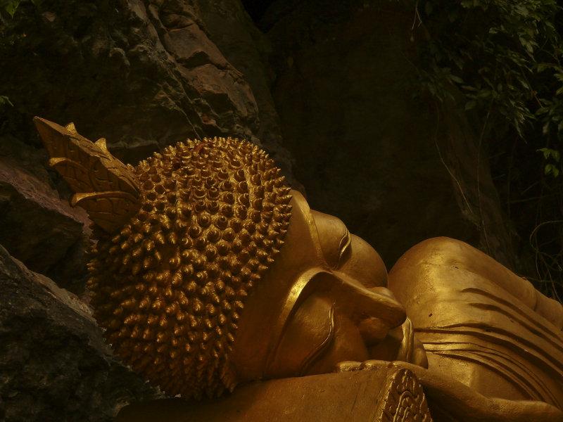 Reclining Buddha That Phu Si.jpg