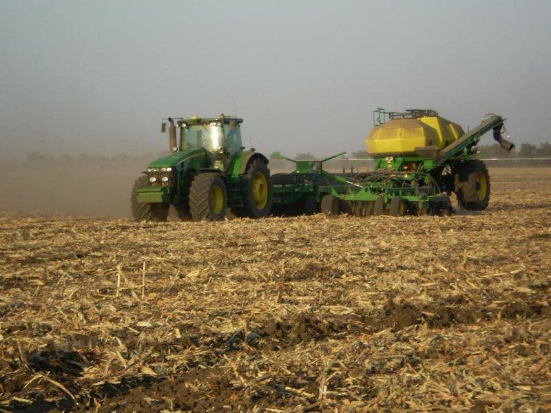 siembra y fertilizacion de colza Ucrania.JPG