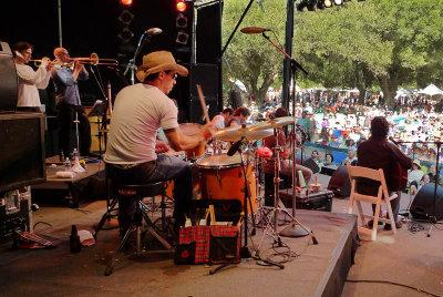 Los Pinguos at main stage
