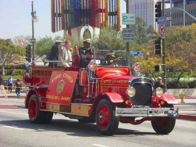 Parade 811 LAFD Fire Chief Barry.jpg