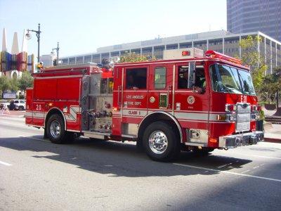 Parade 818 LAFD Engine 20.jpg